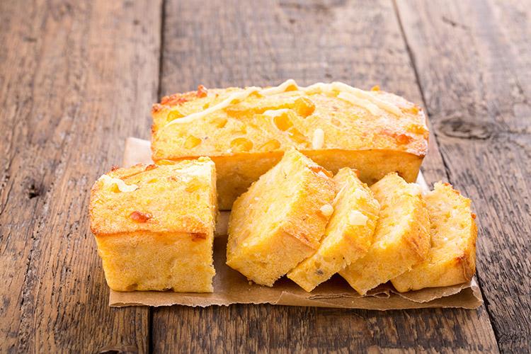 Super Easy Buttermilk Cornbread